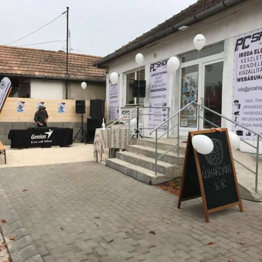 PiCi Shop grand opening party