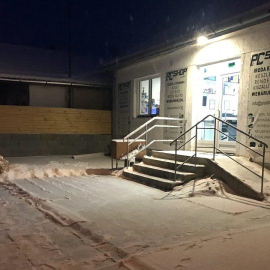 PiCi Shop téli éjszaka (winter night
